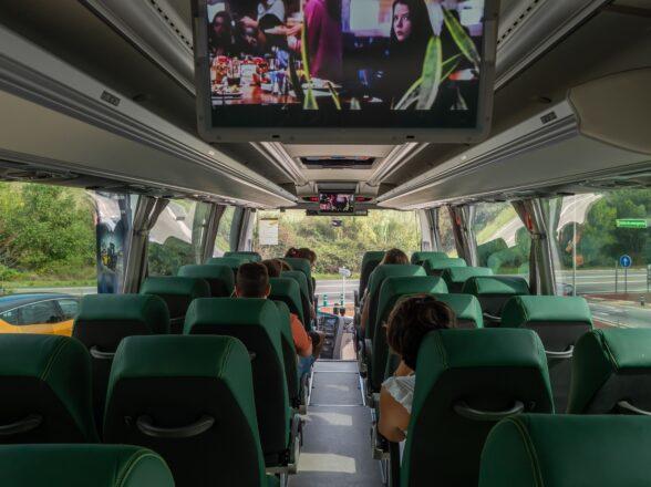 Cómo conseguir que tu viaje en autocar sea una experiencia divertida y cómoda
