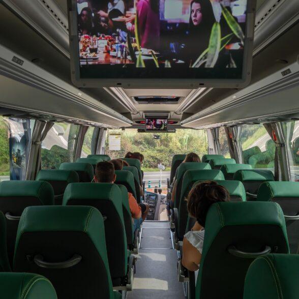 Lloguer autocars Barcelona per a ruta escolar