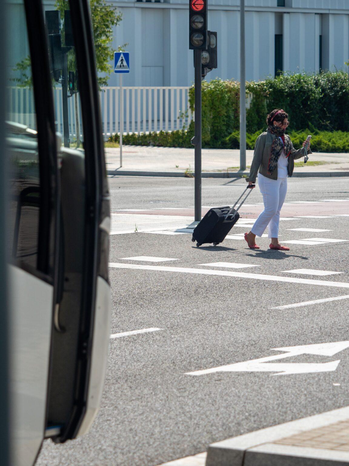 Alquiler de autocar en Barcelona para transfer puerto